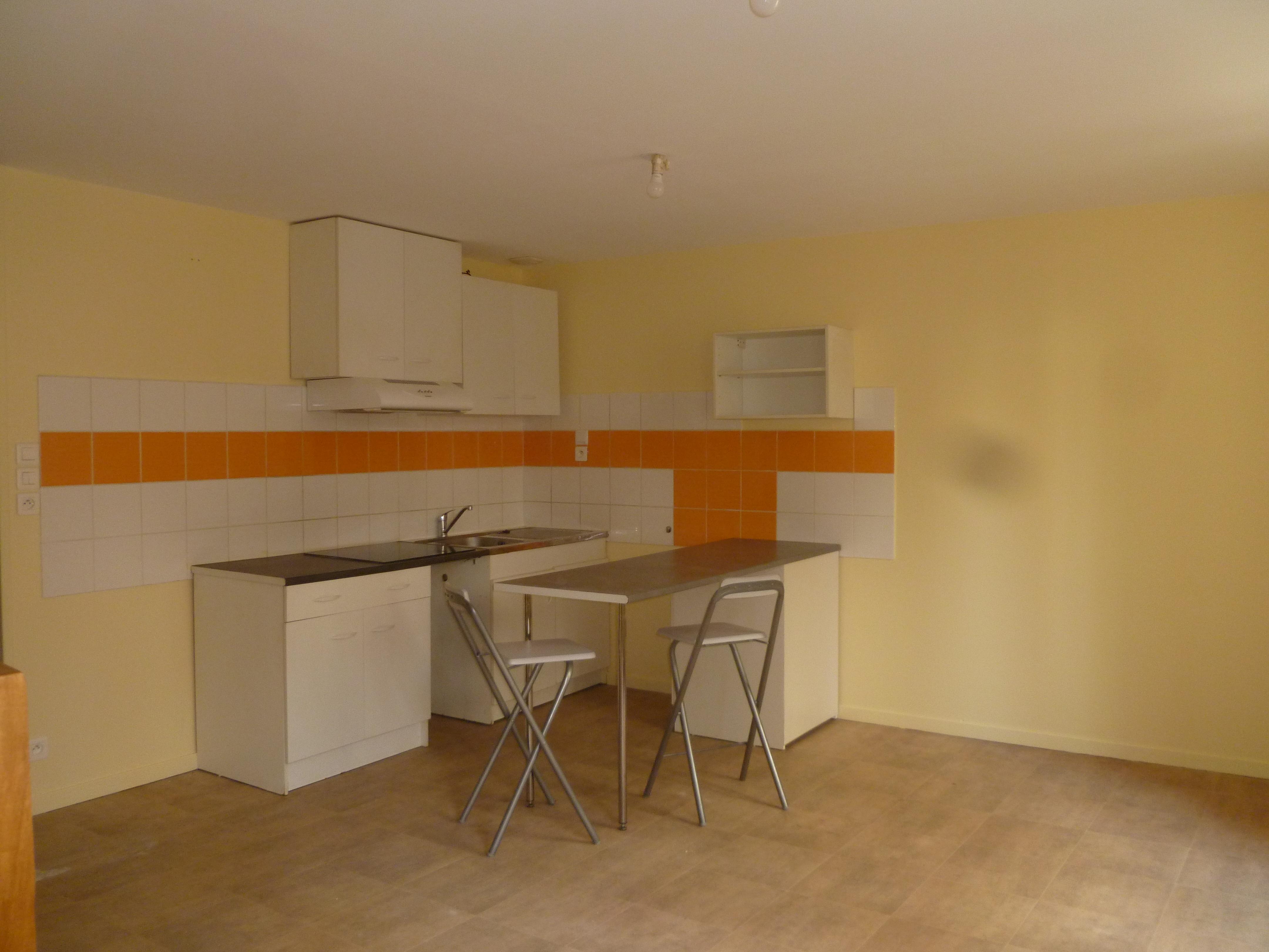 Appartement T3 duplex  à louer à Figeac