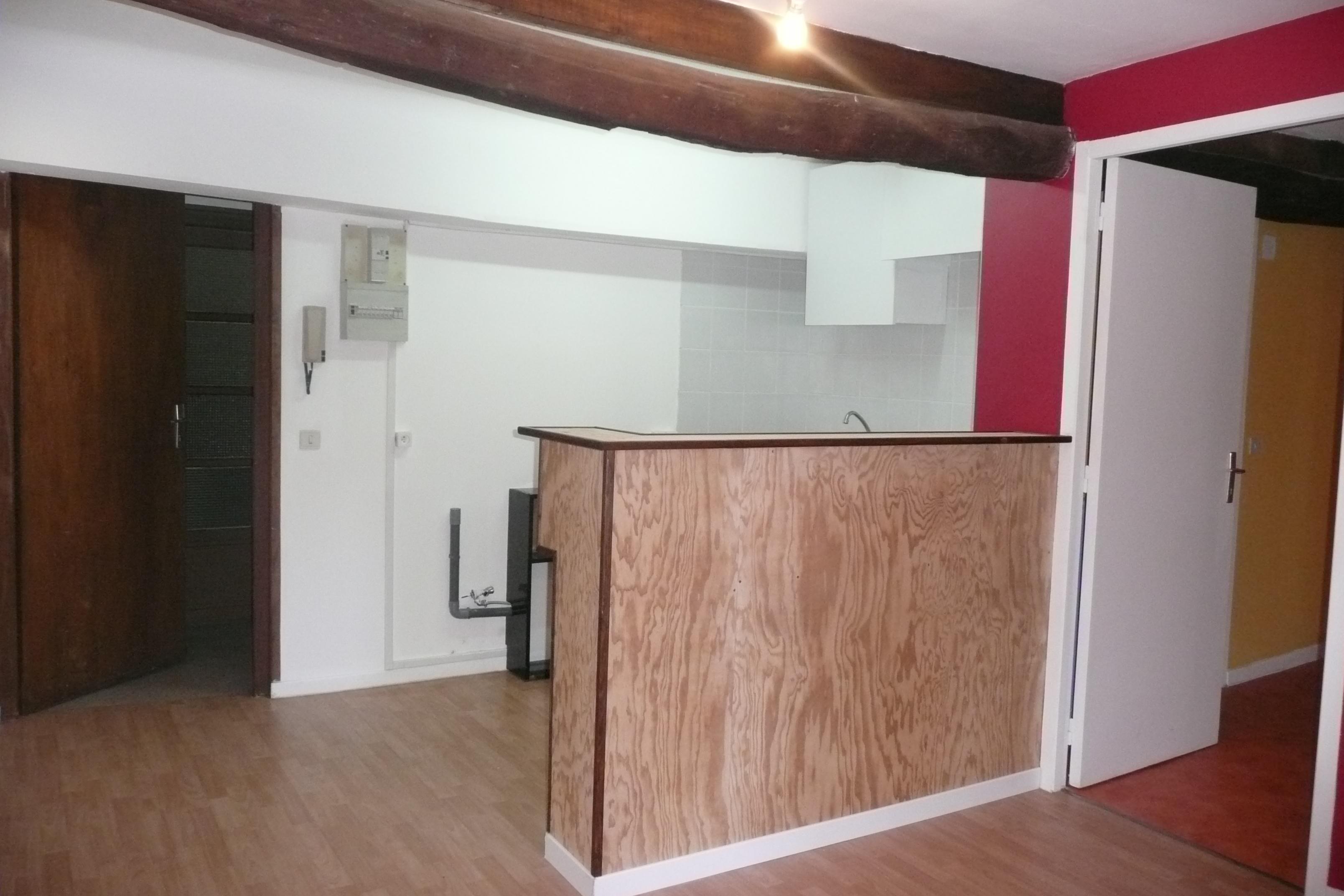 Appartement T1 bis à louer au centre de Figeac