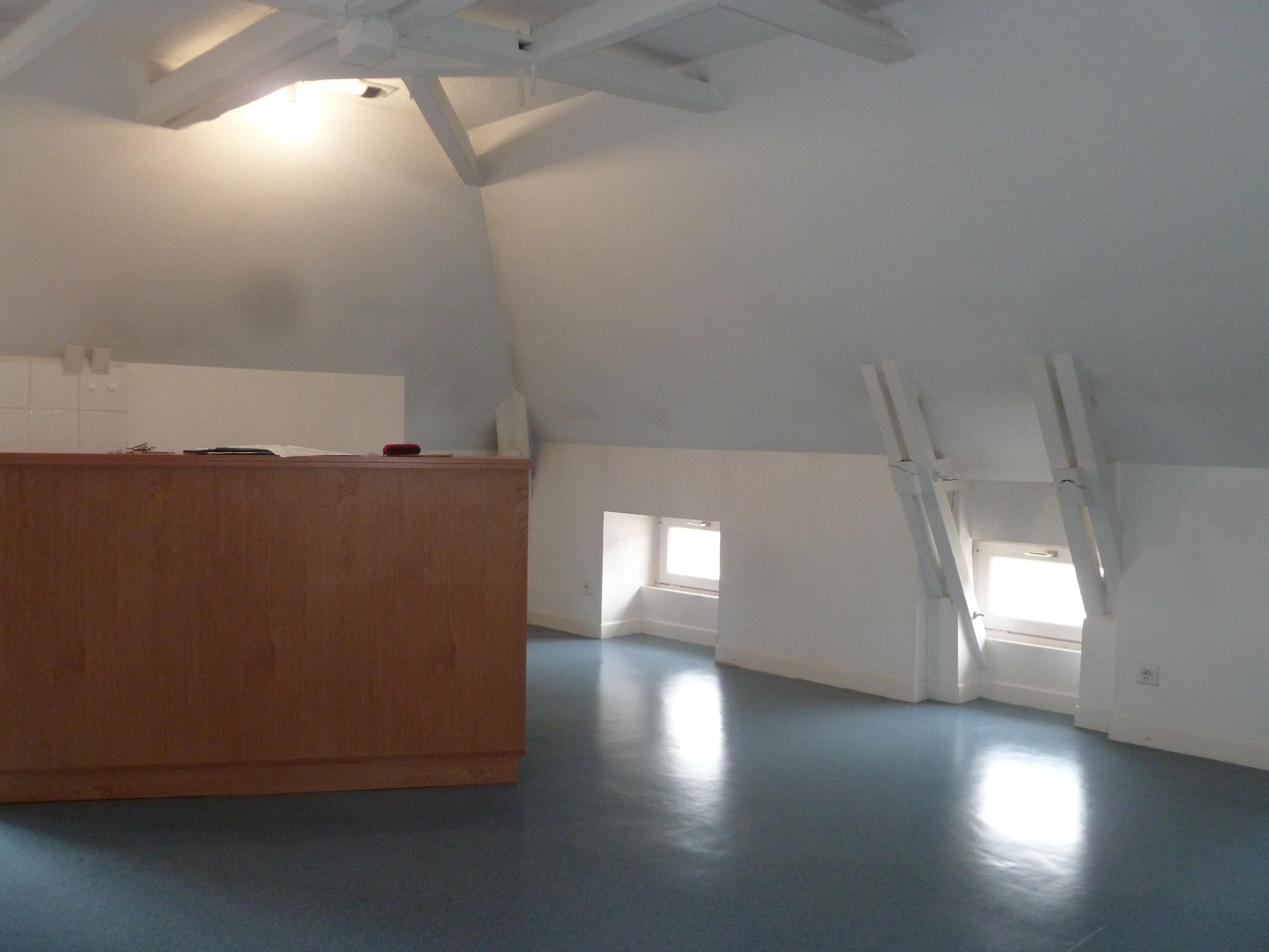 Appartement T2 avec terrasse à louer au centre de Figeac