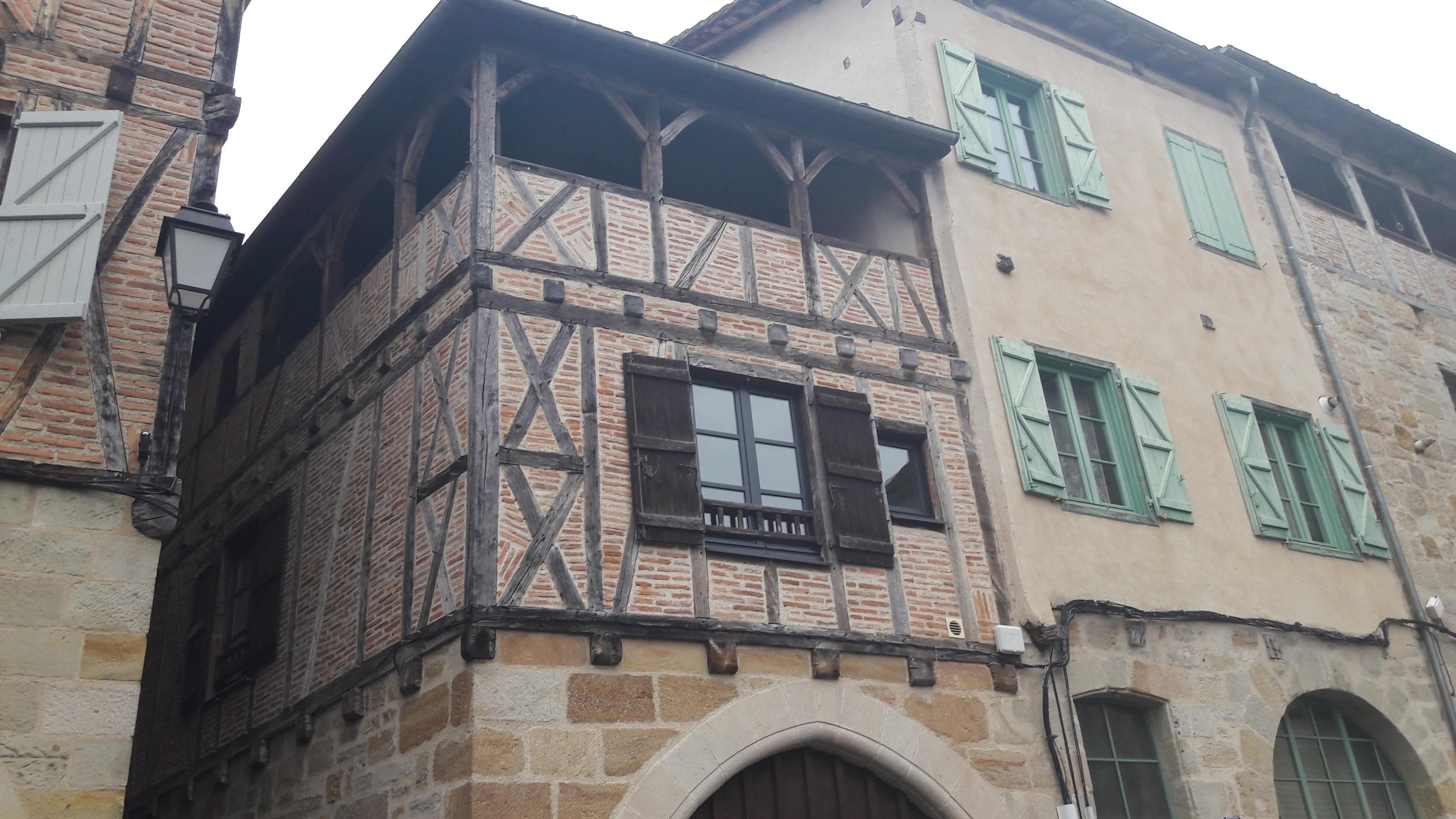 Maison de ville T3 au centre de FIGEAC