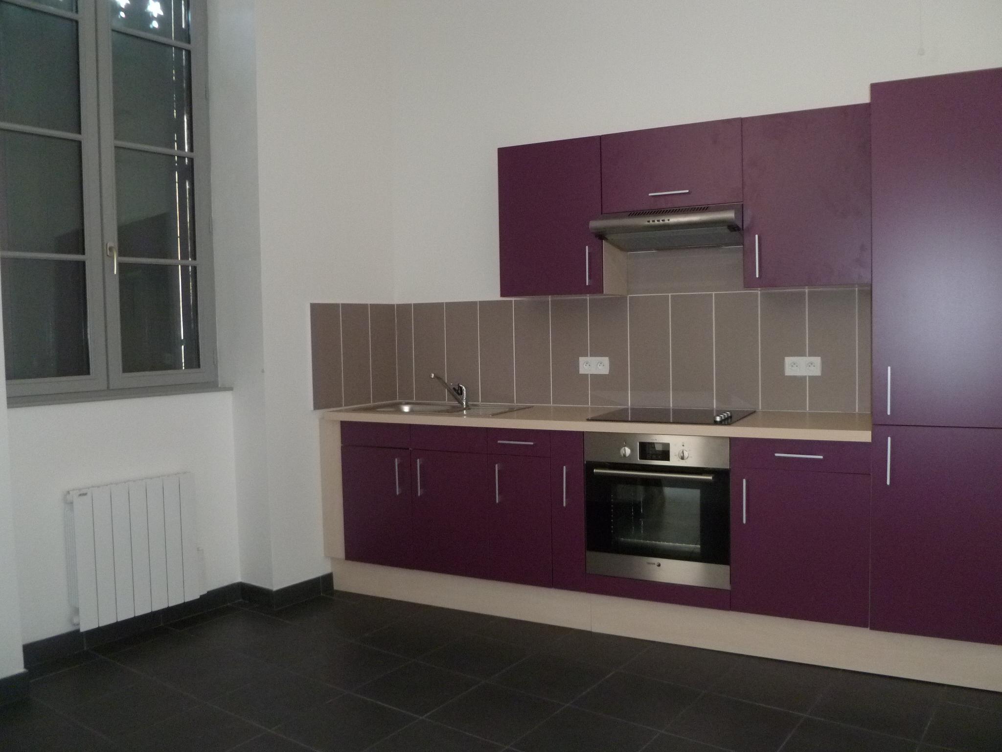 Appartement T4 récemment rénové à louer à Figeac