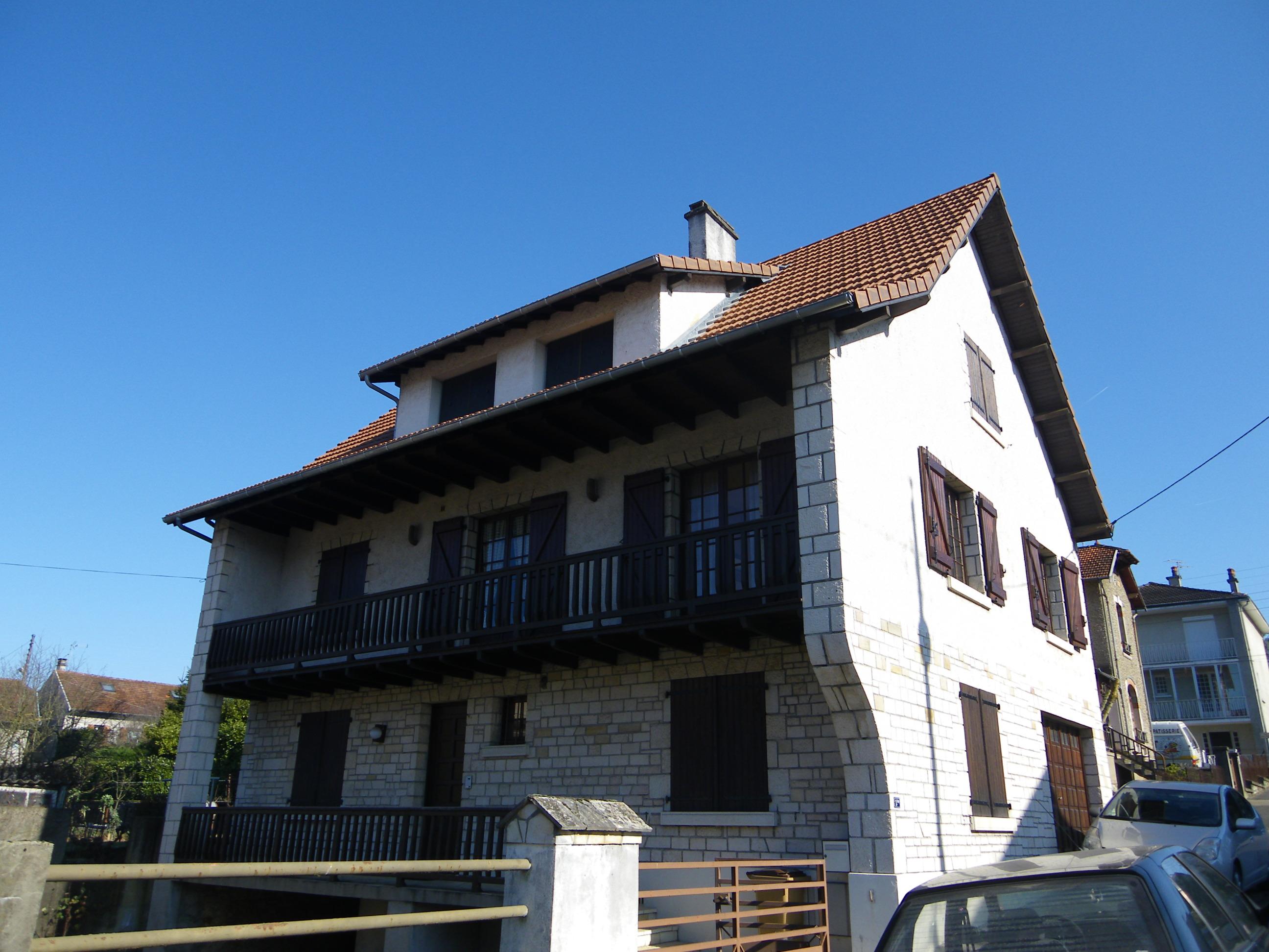 Maison / Villa T8 à vendre à Capdenac-gare