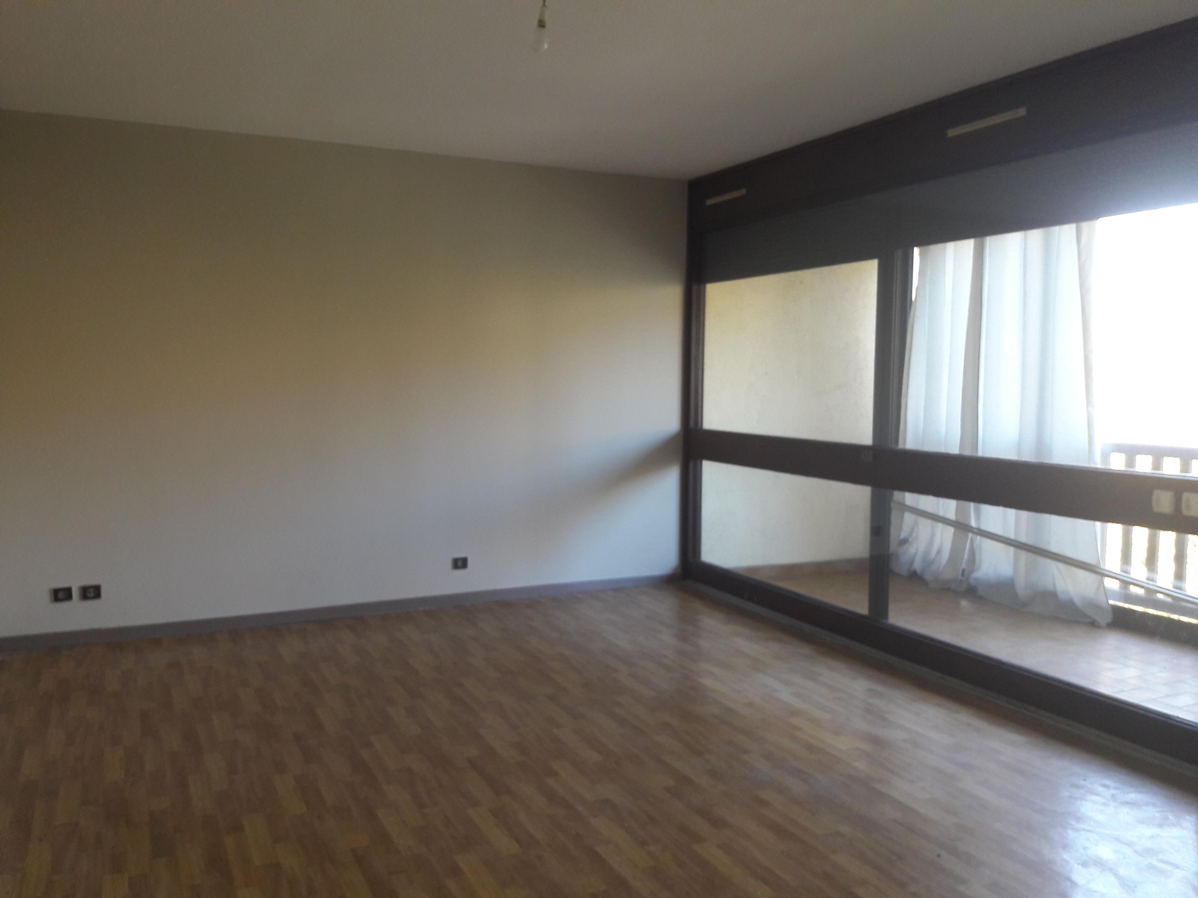 Appartement T2 avec balcon à louer en résidence à FIGEAC