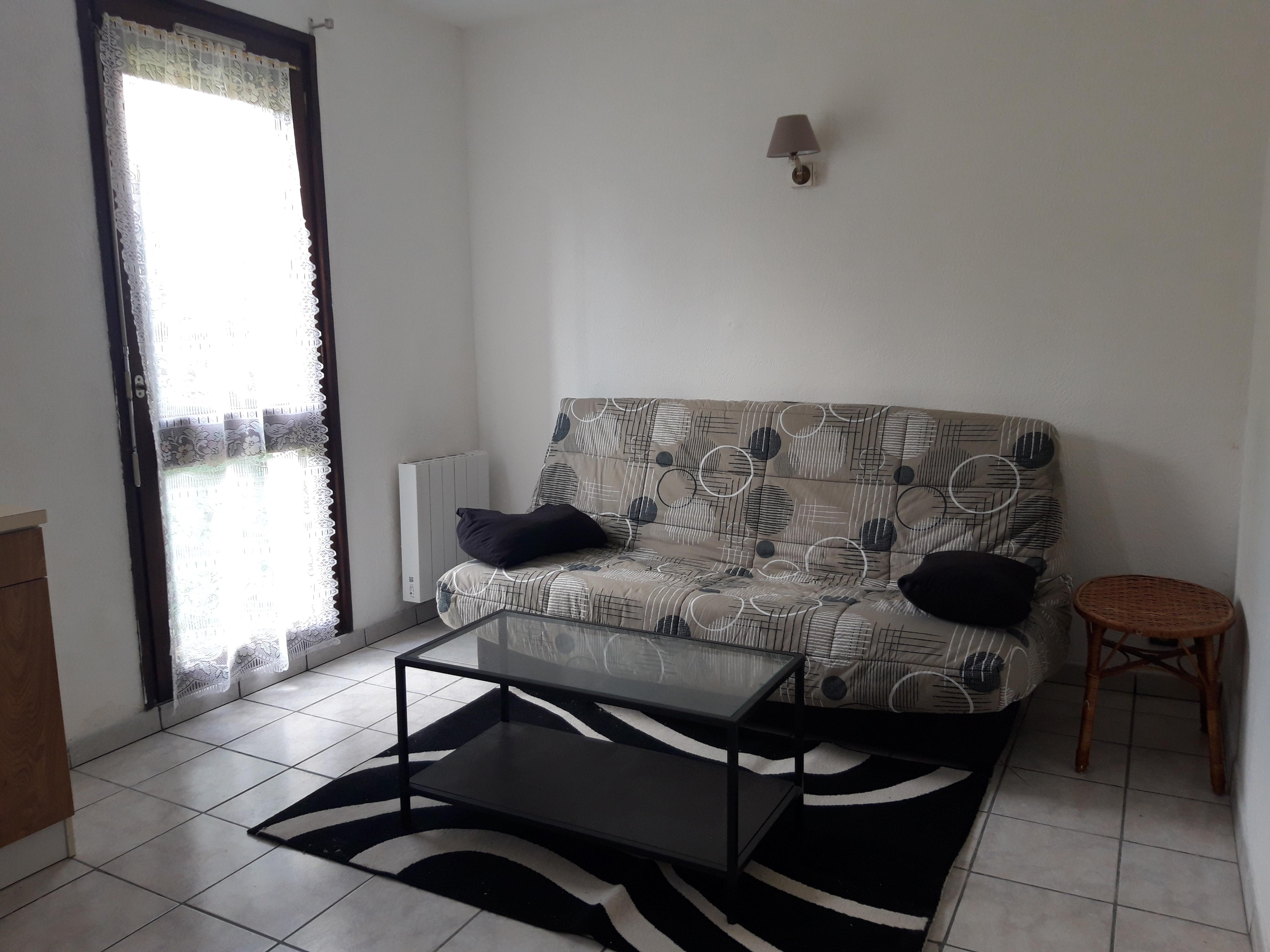Studio / T1 meublé avec jardin dans résidence à louer à FIGEAC