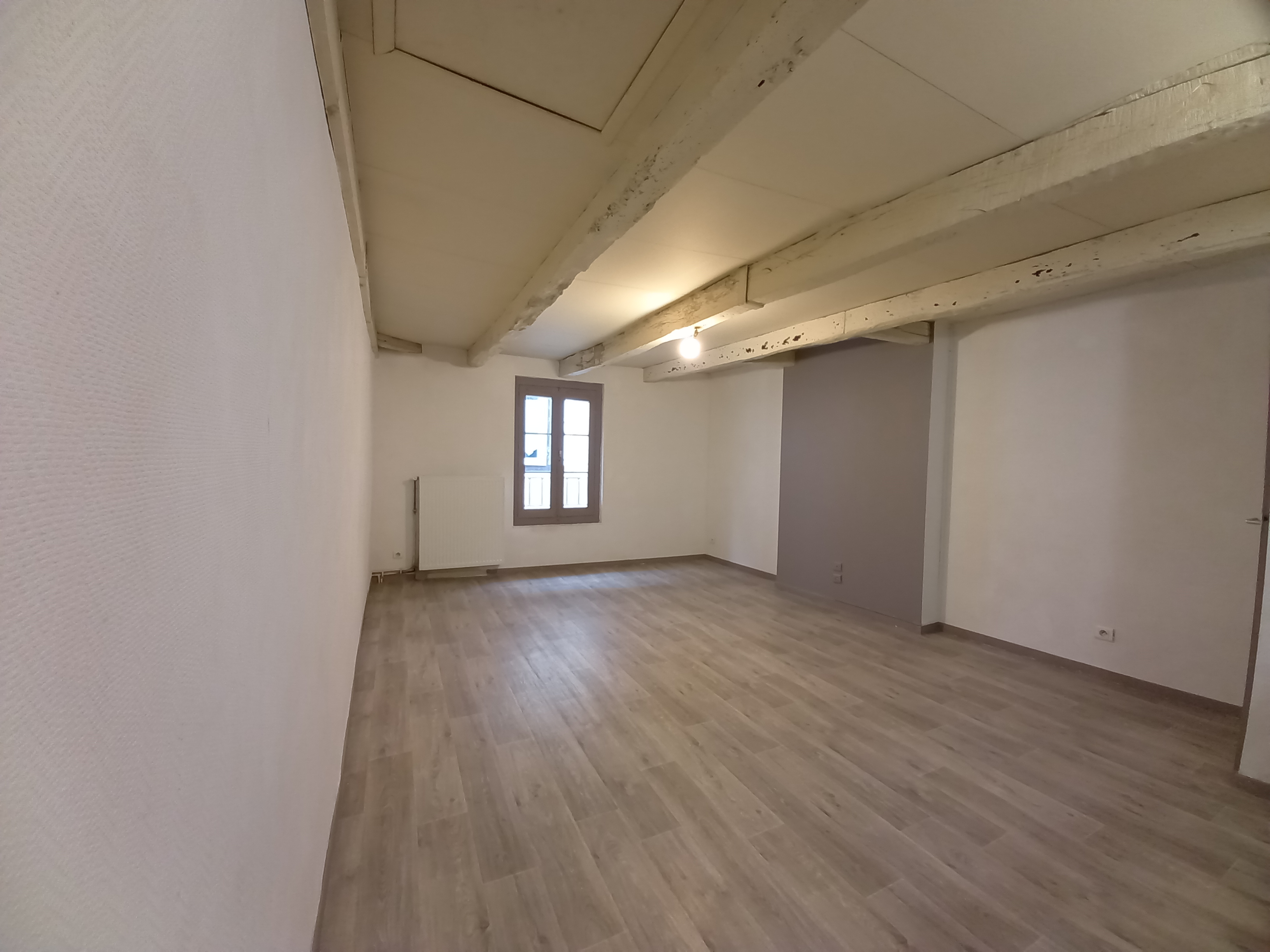 Appartement T4 duplex à louer à FIGEAC CENTRE