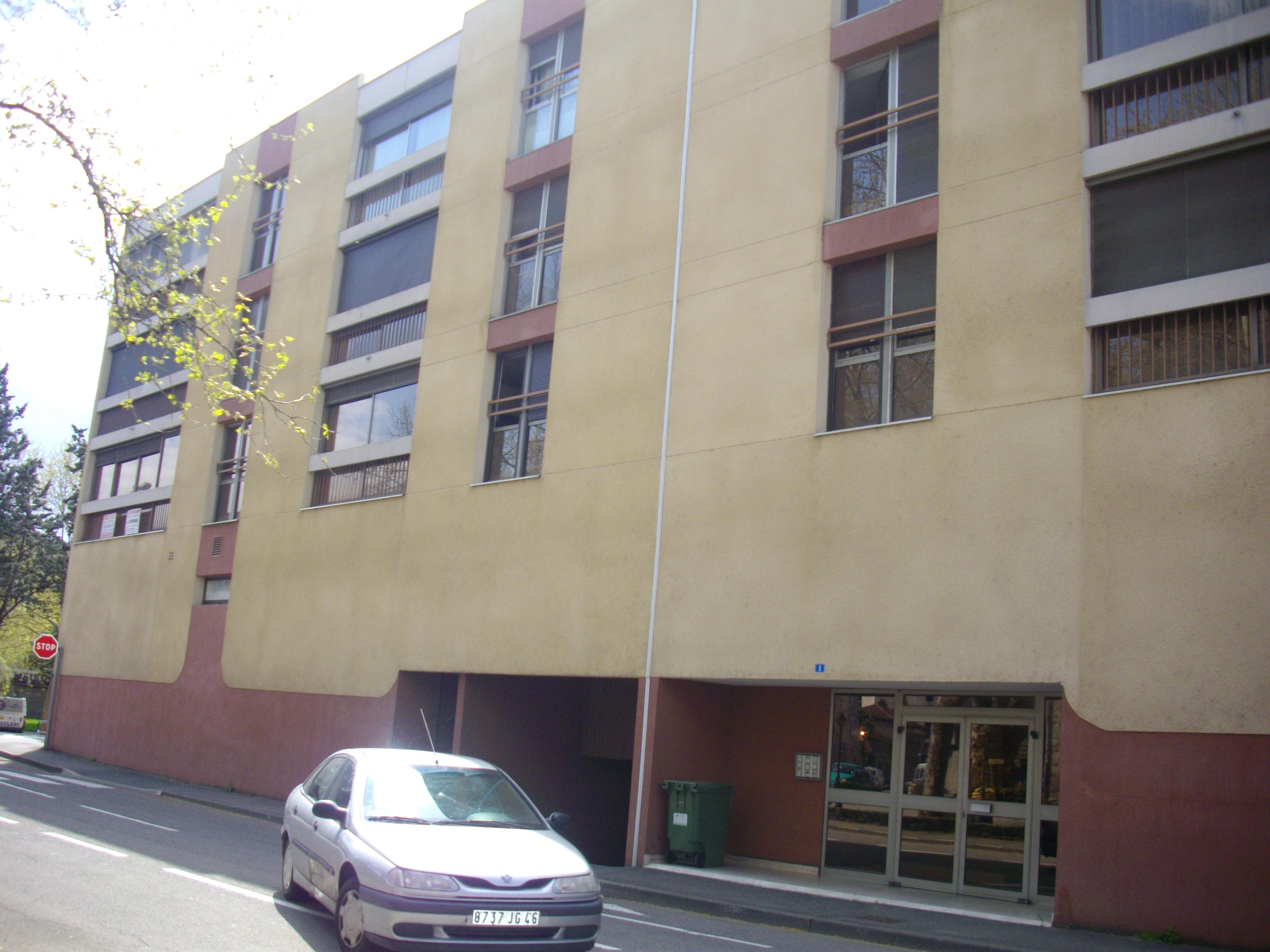 Appartement T3 à louer dans résidence à Figeac