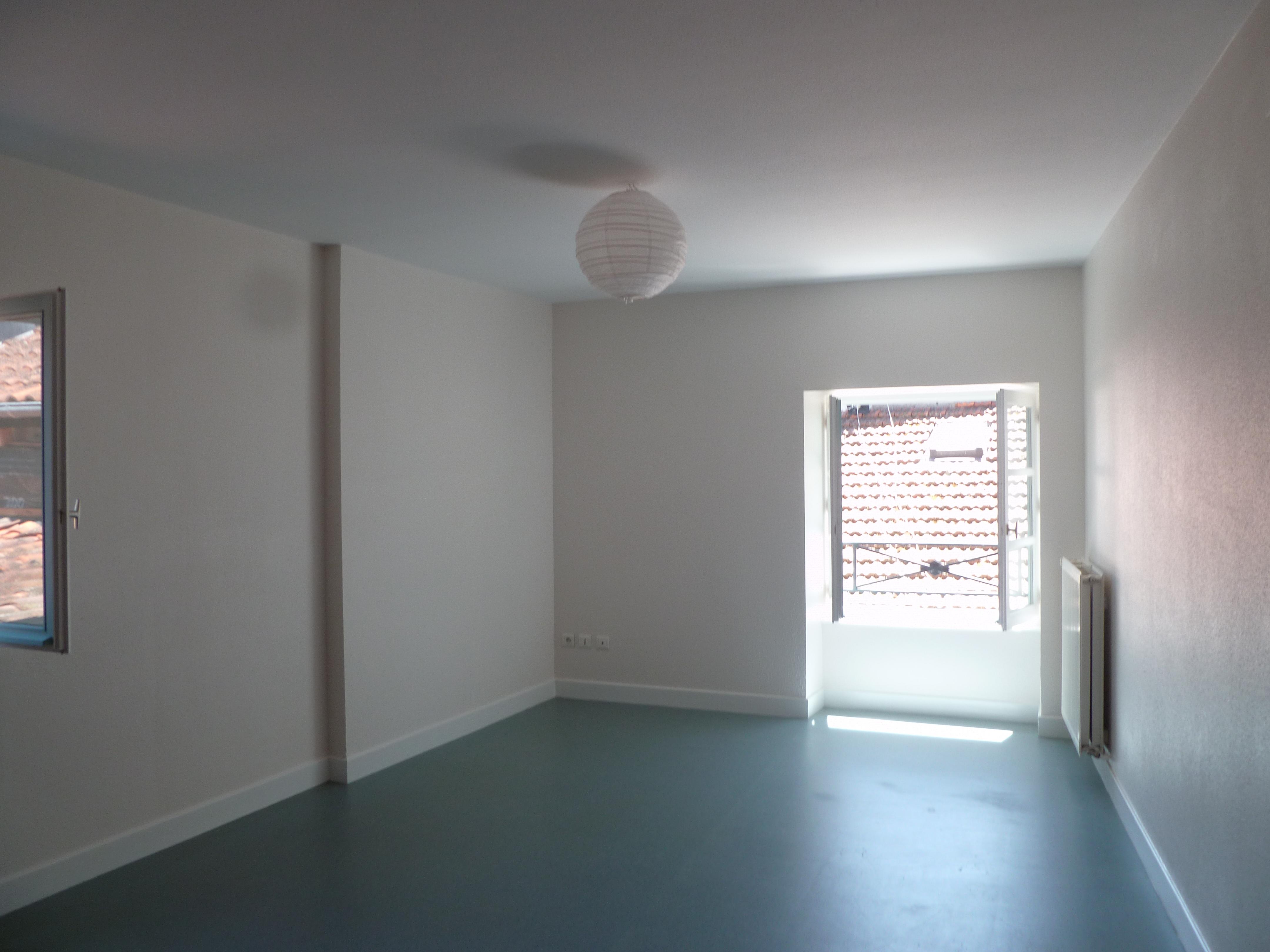 Appartement T2 duplex à louer au centre de Figeac