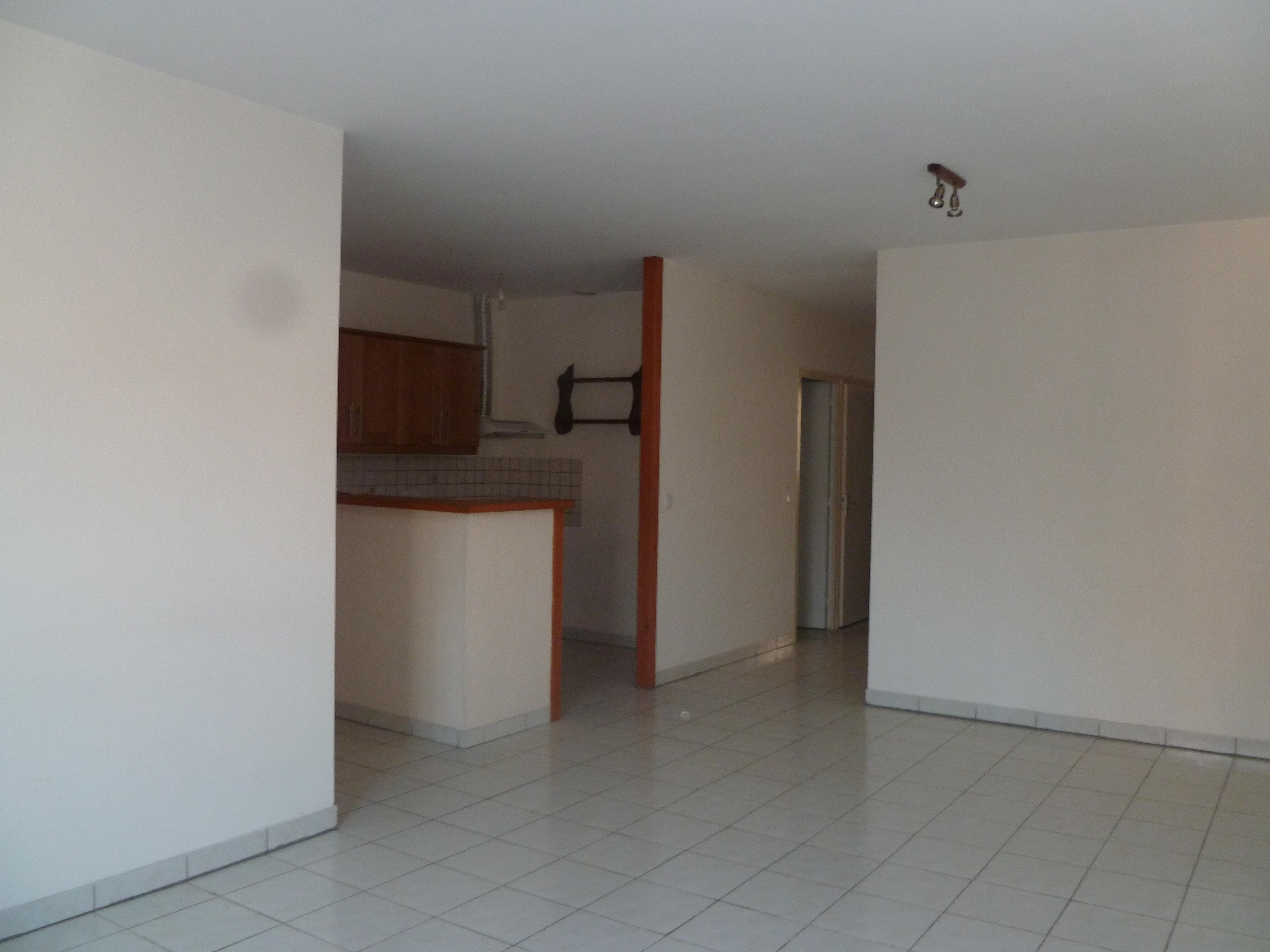 Appartement T4 avec balcon à louer à CAJARC