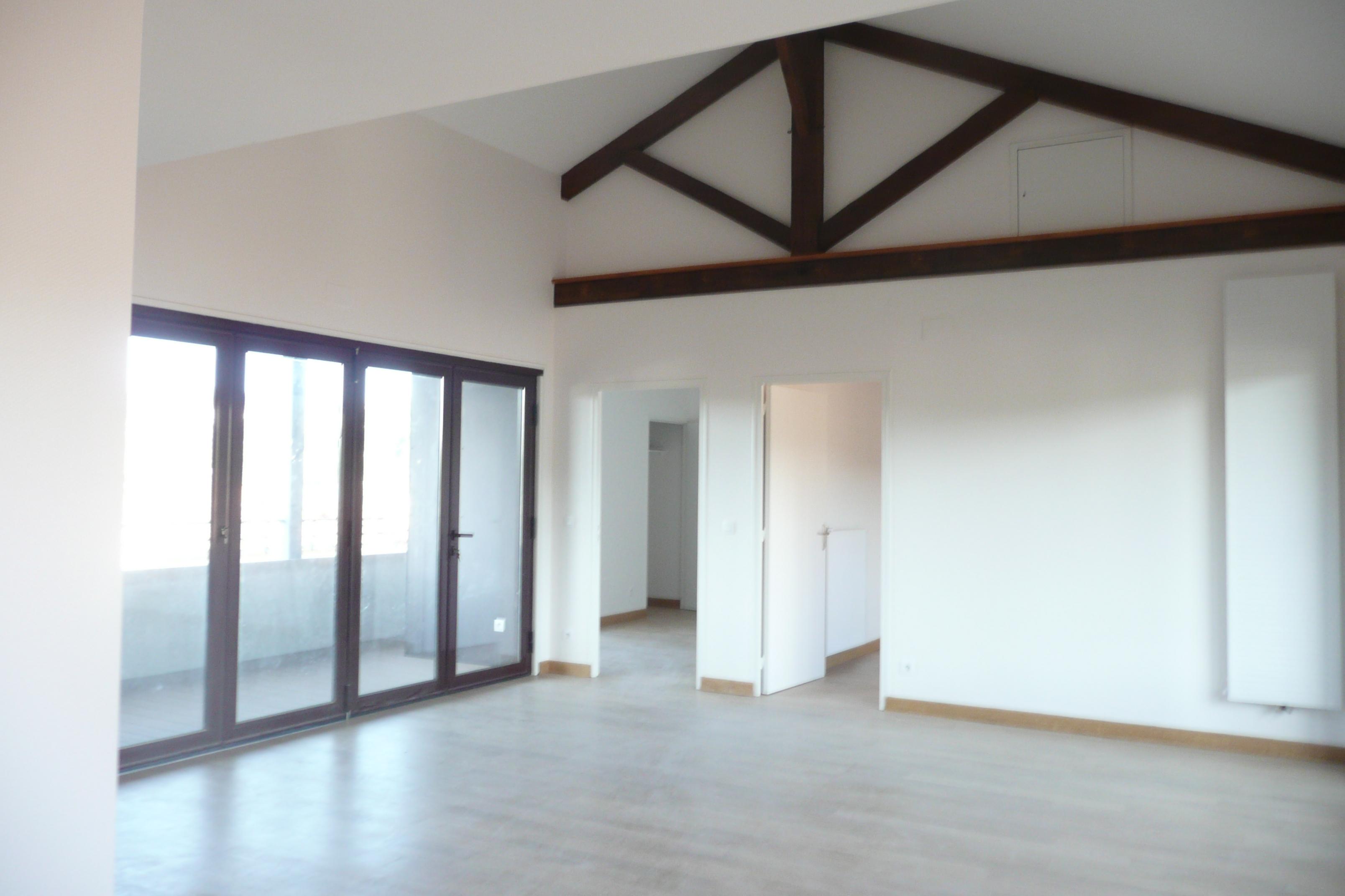 Appartement T3 avec terrasse & balcon à louer à FIGEAC centre