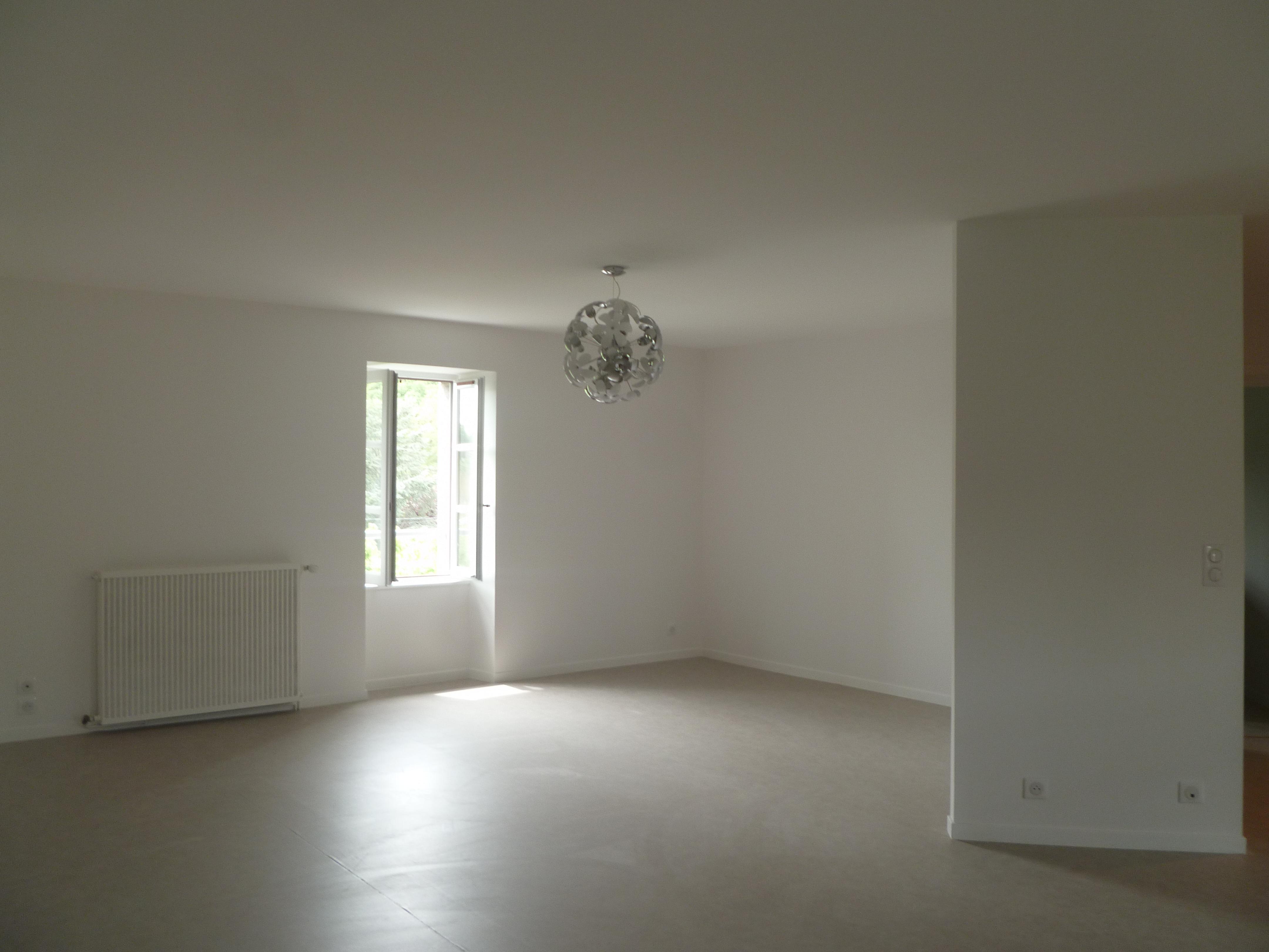 Appartement T3 rénové à louer à CAJARC CENTRE