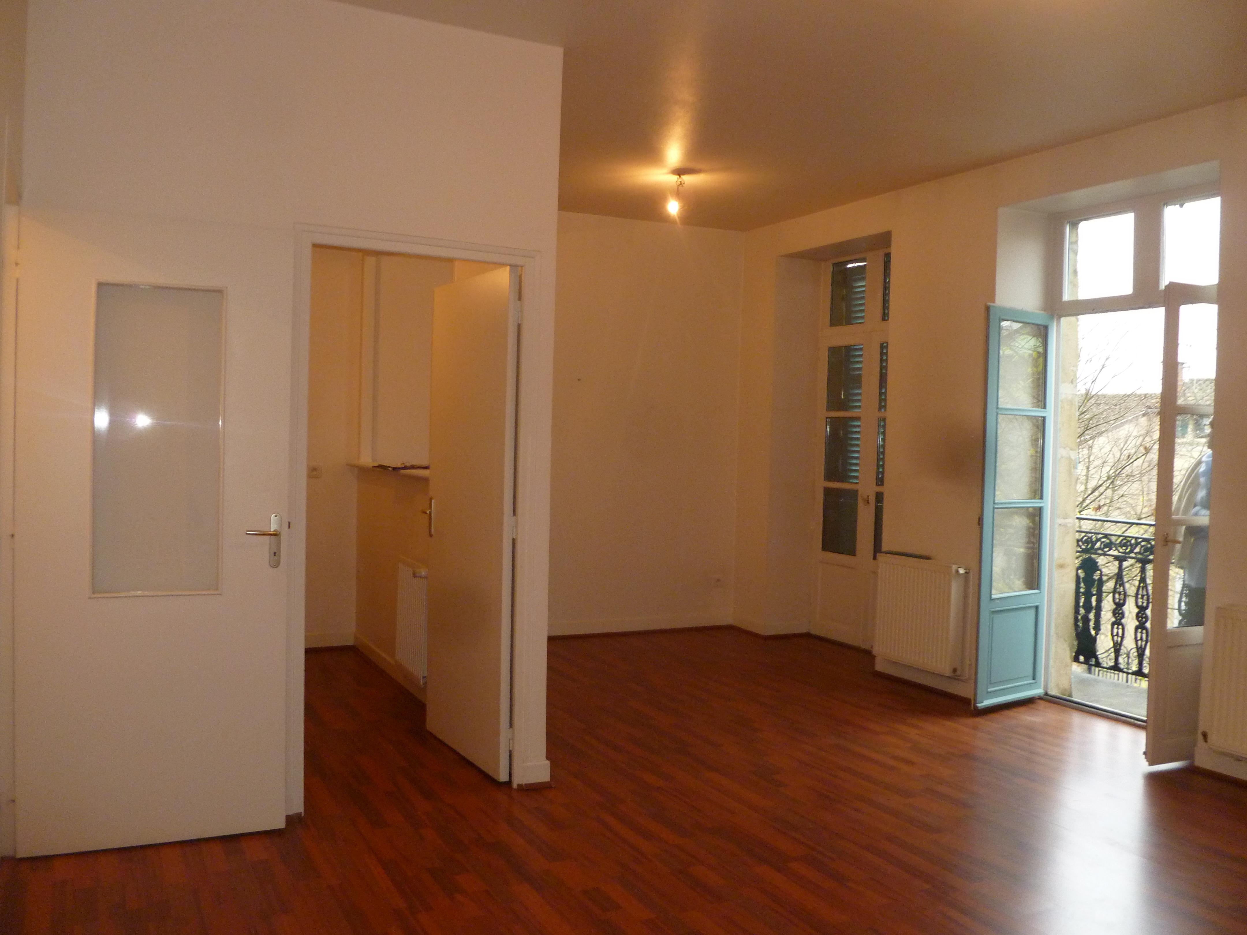 Appartement T2 avec balcon à louer à FIGEAC centre