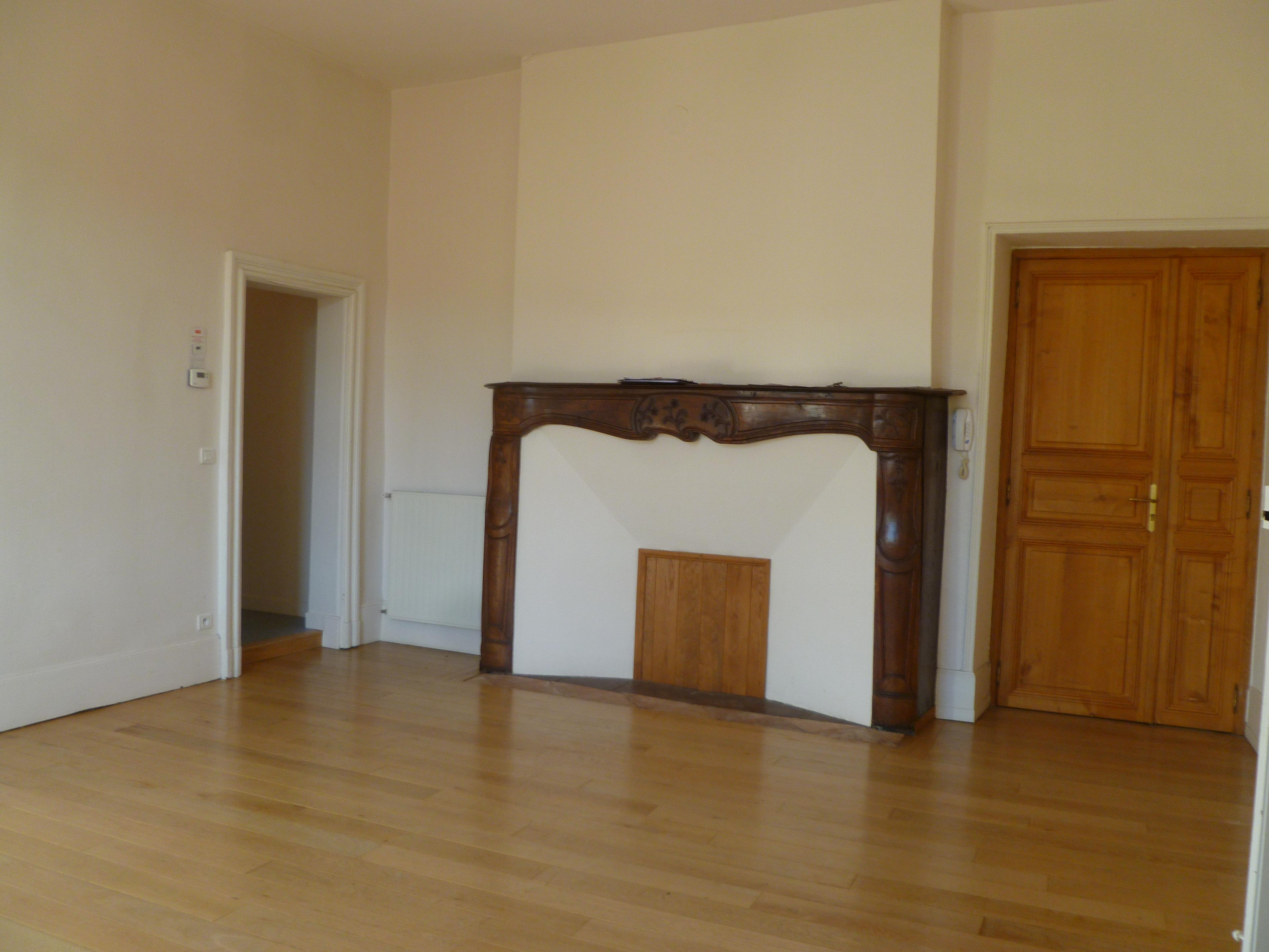 Appartement T3 à louer au coeur du centre historique de Figeac