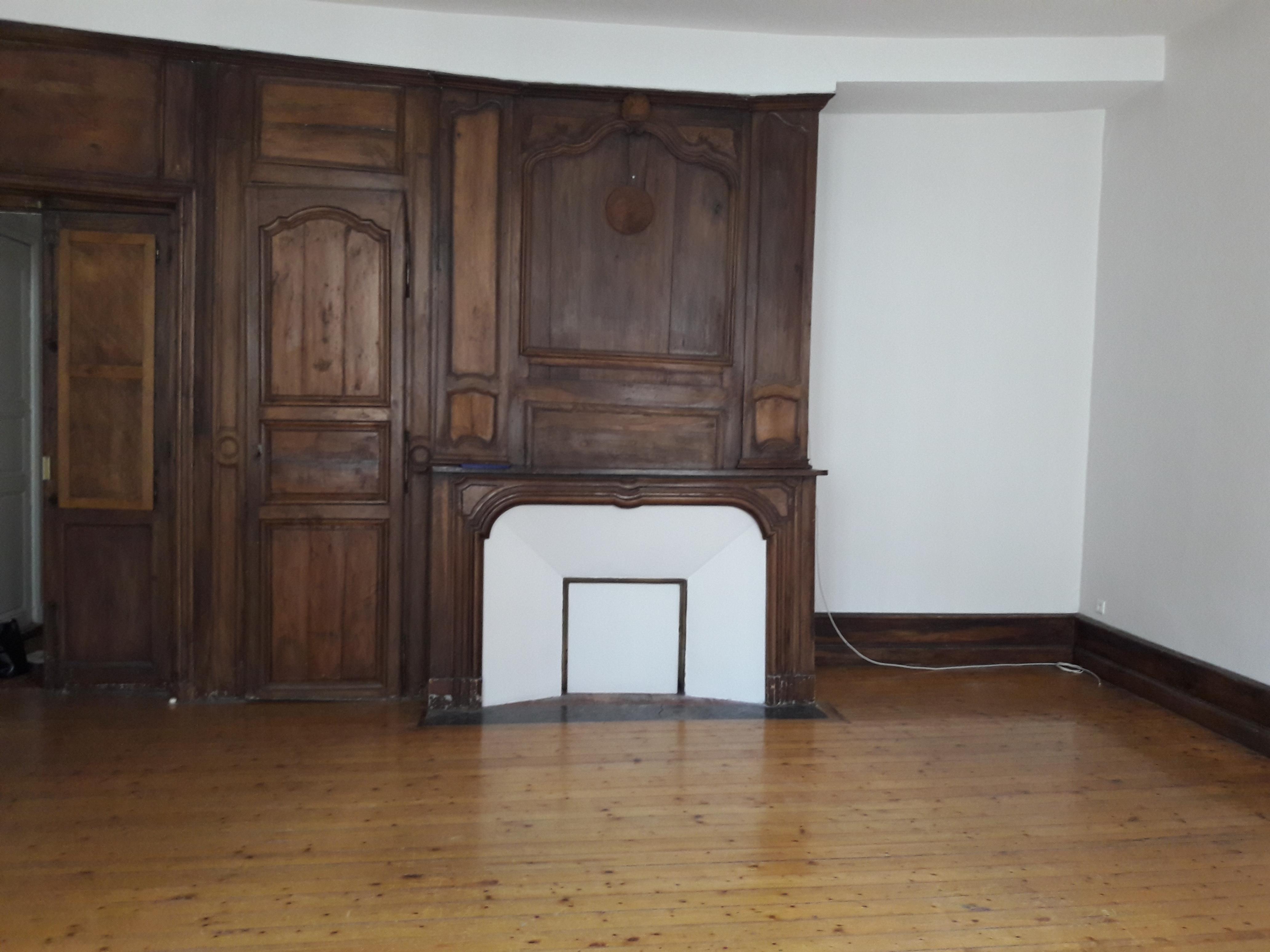 Appartement T4 duplex à louer au coeur de FIGEAC