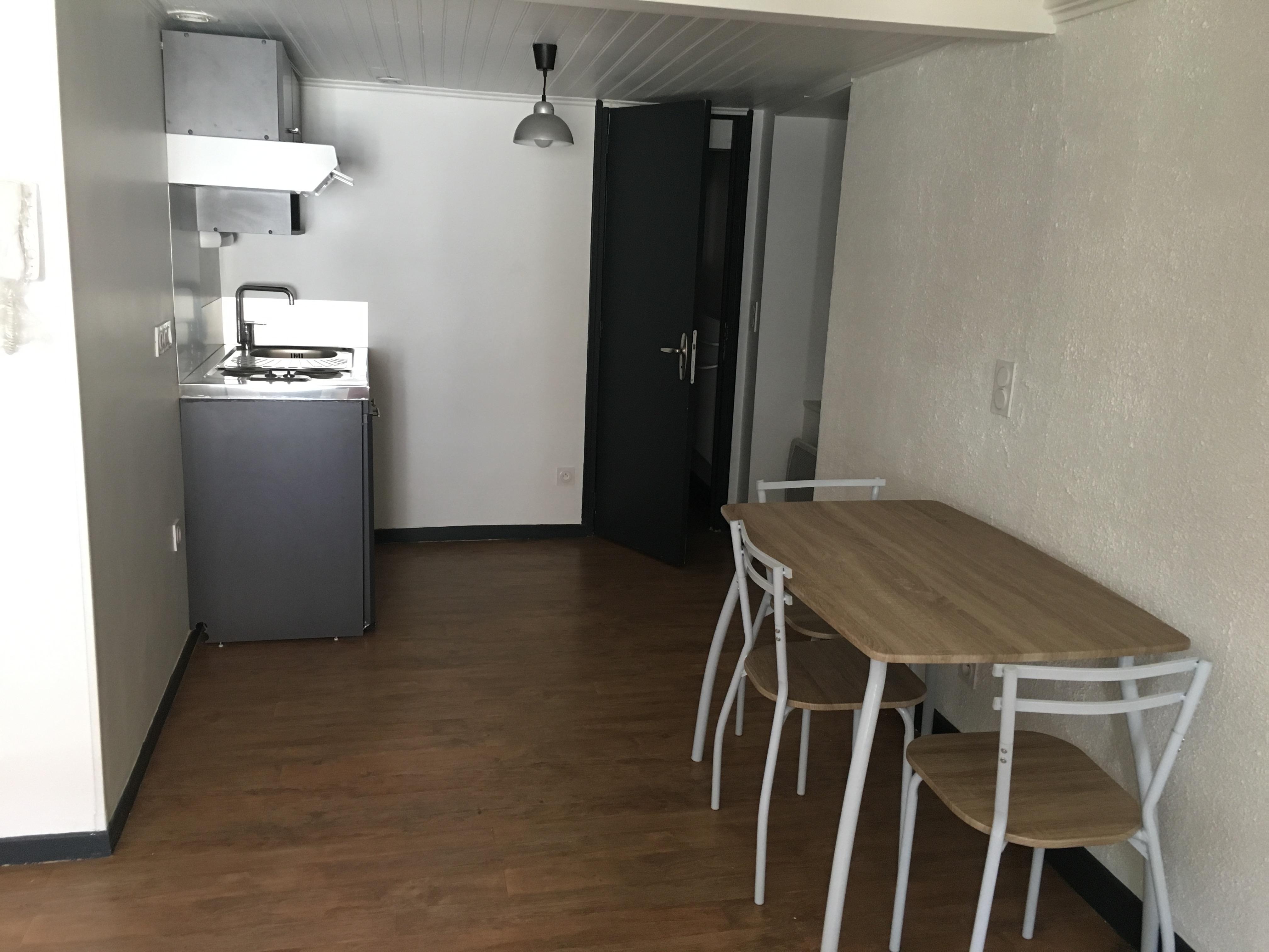 Studio meublé à louer à FIGEAC centre