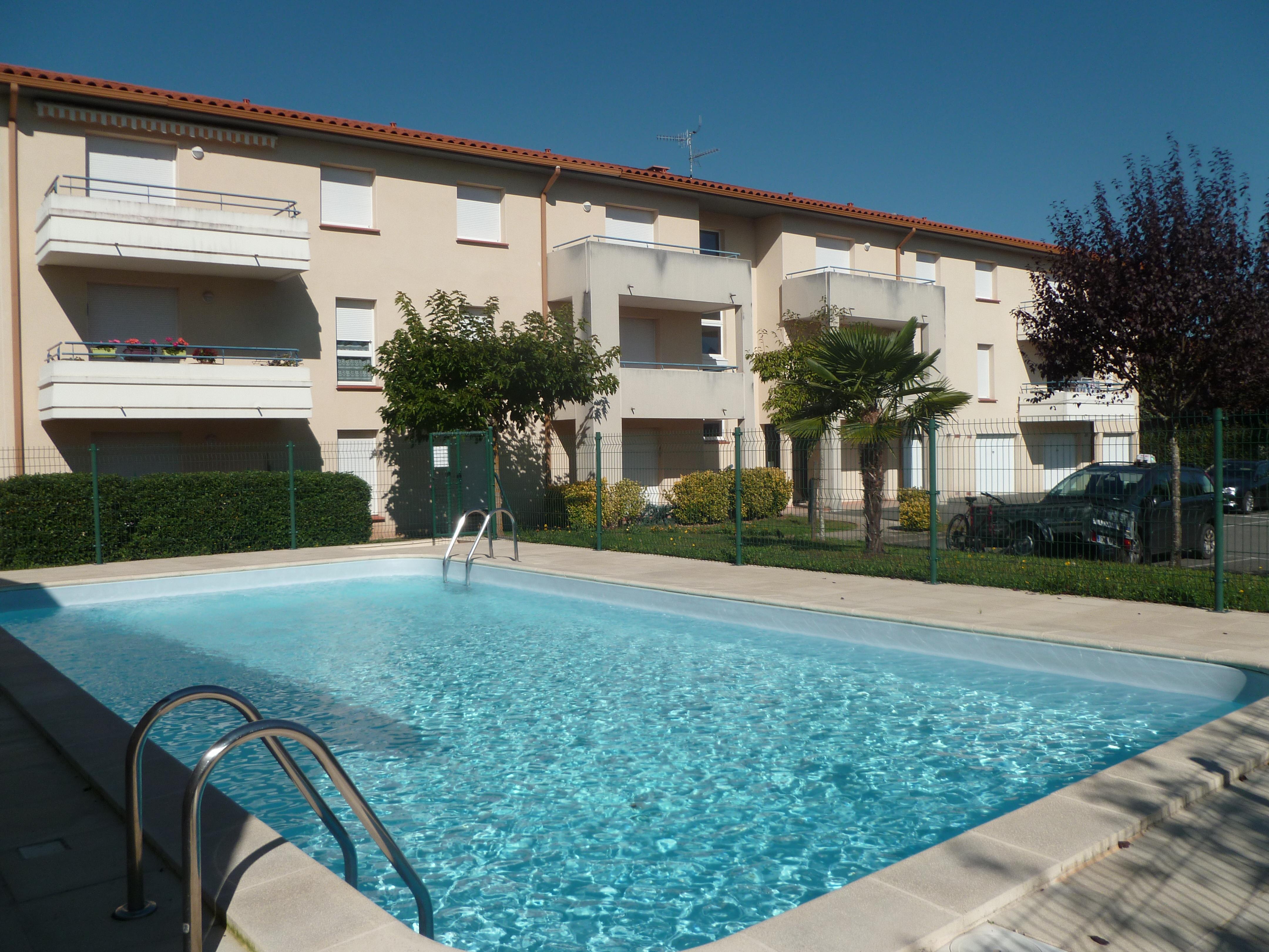 Appartement T2 avec terrasse en résidence à louer à FIGEAC