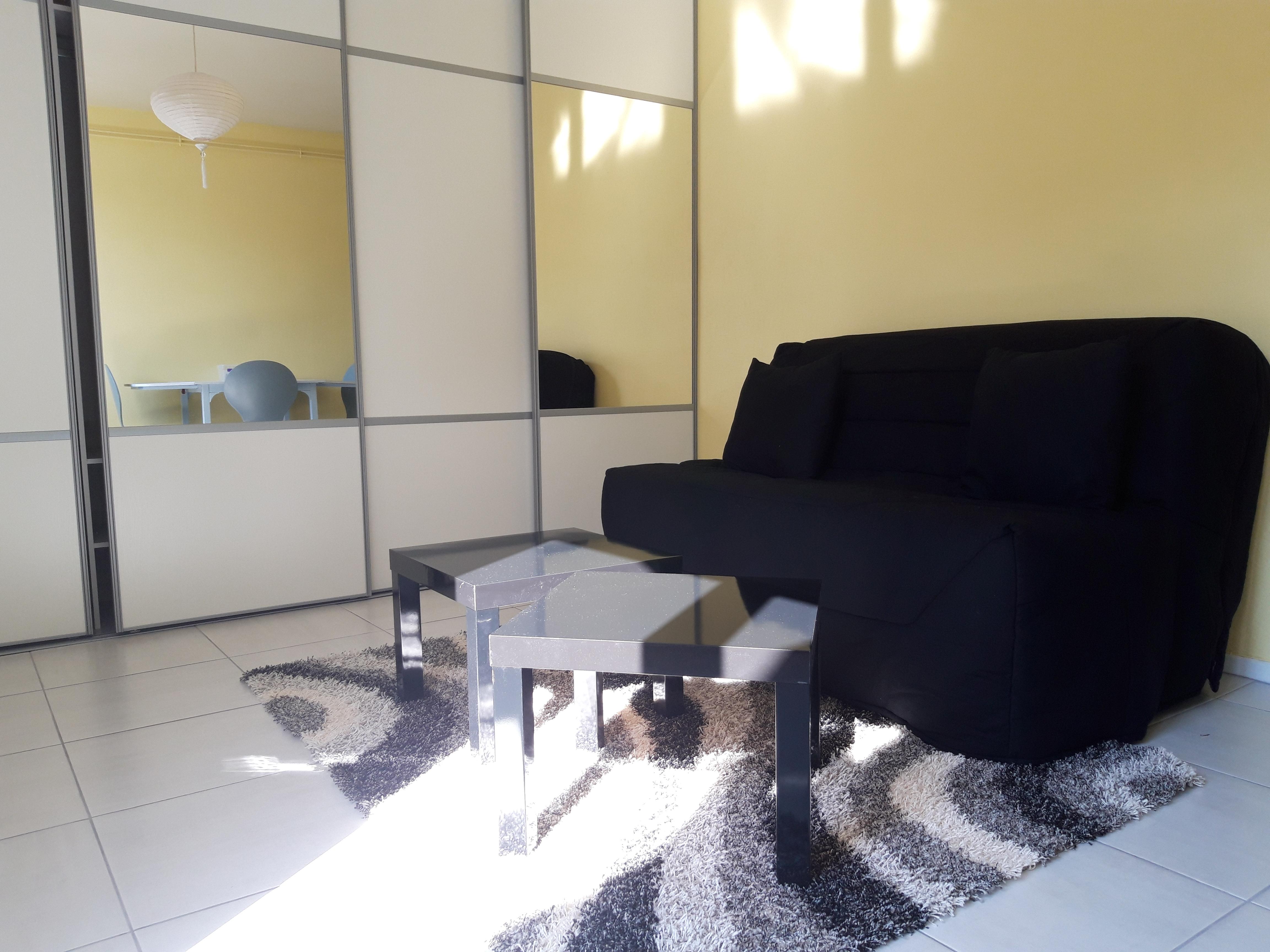 Appartement T1 meublé récemment rénové à louer à FIGEAC
