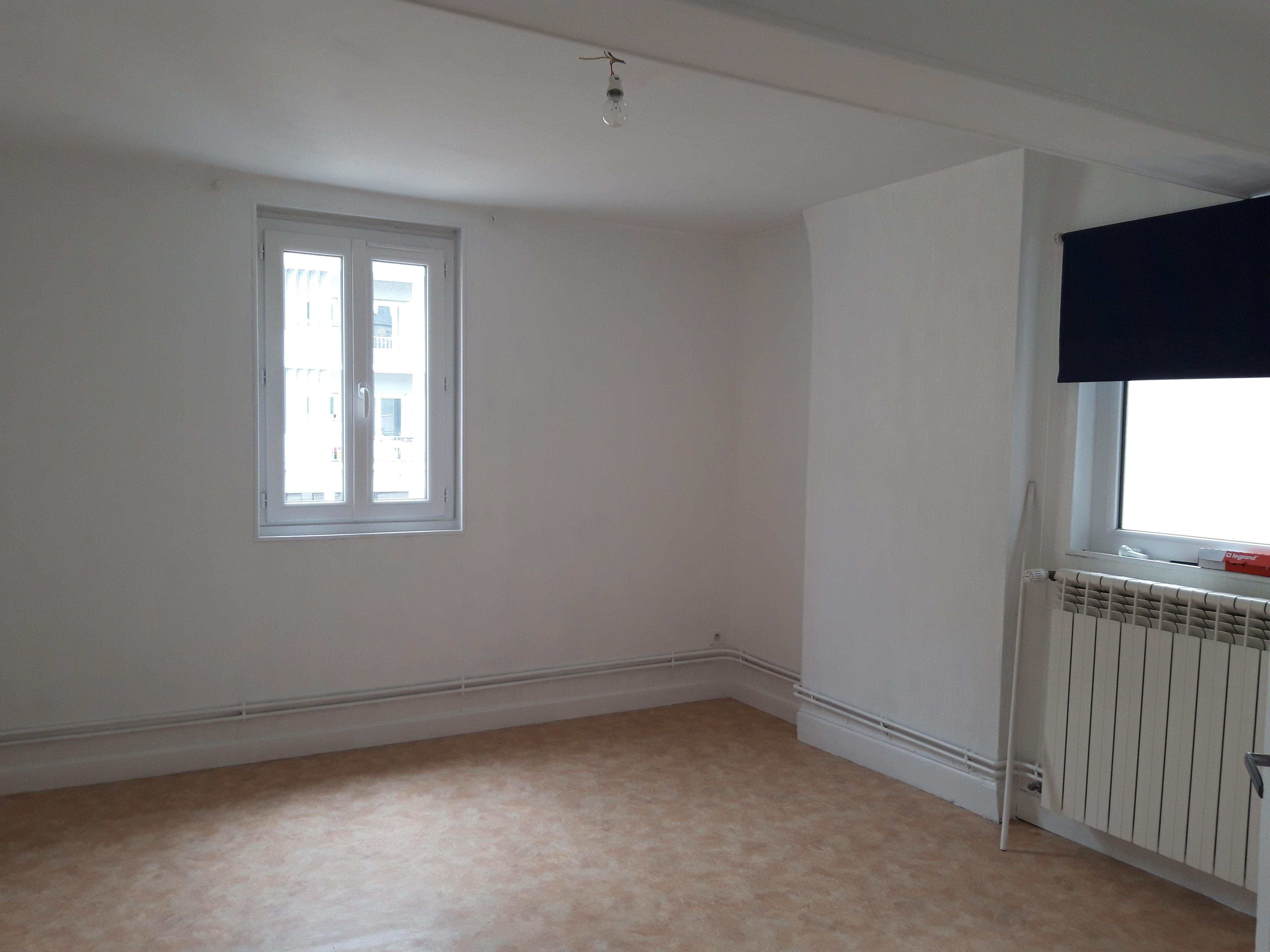 Appartement T1 bis neuf à louer à FIGEAC centre