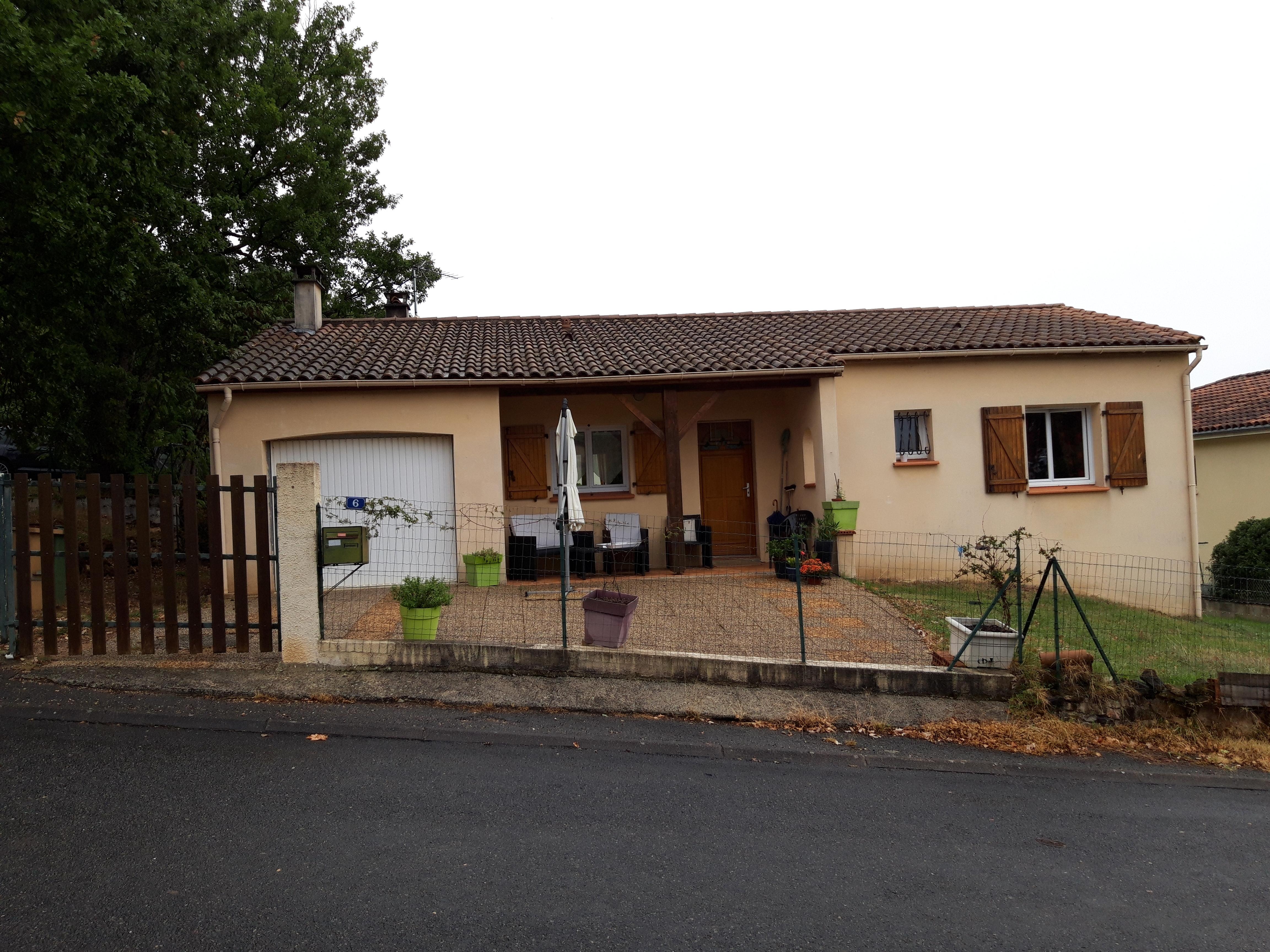 Maison T4 avec garage et jardin à louer à FIGEAC
