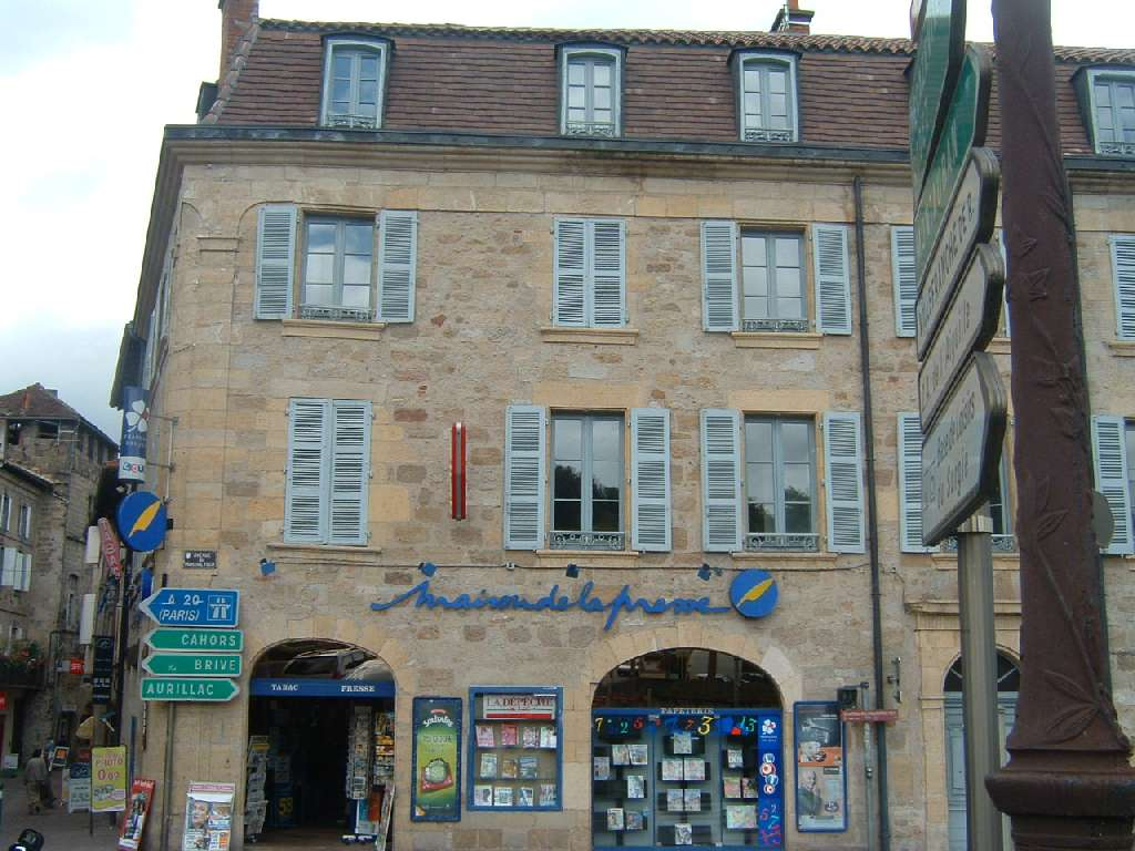 Appartement T4 à louer au centre ville de FIGEAC