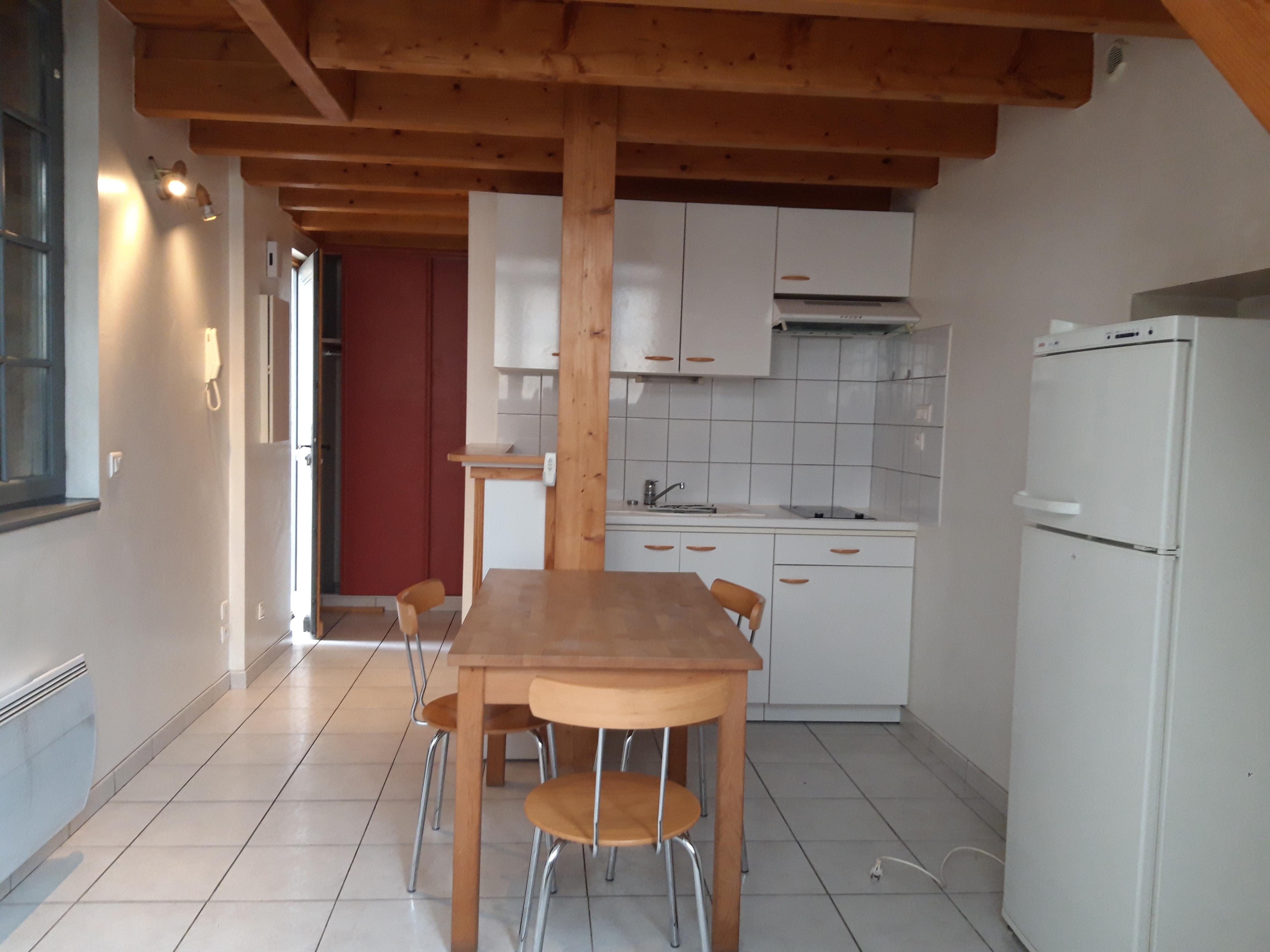 Appartement T2 duplex en RDC à louer dans le centre historique