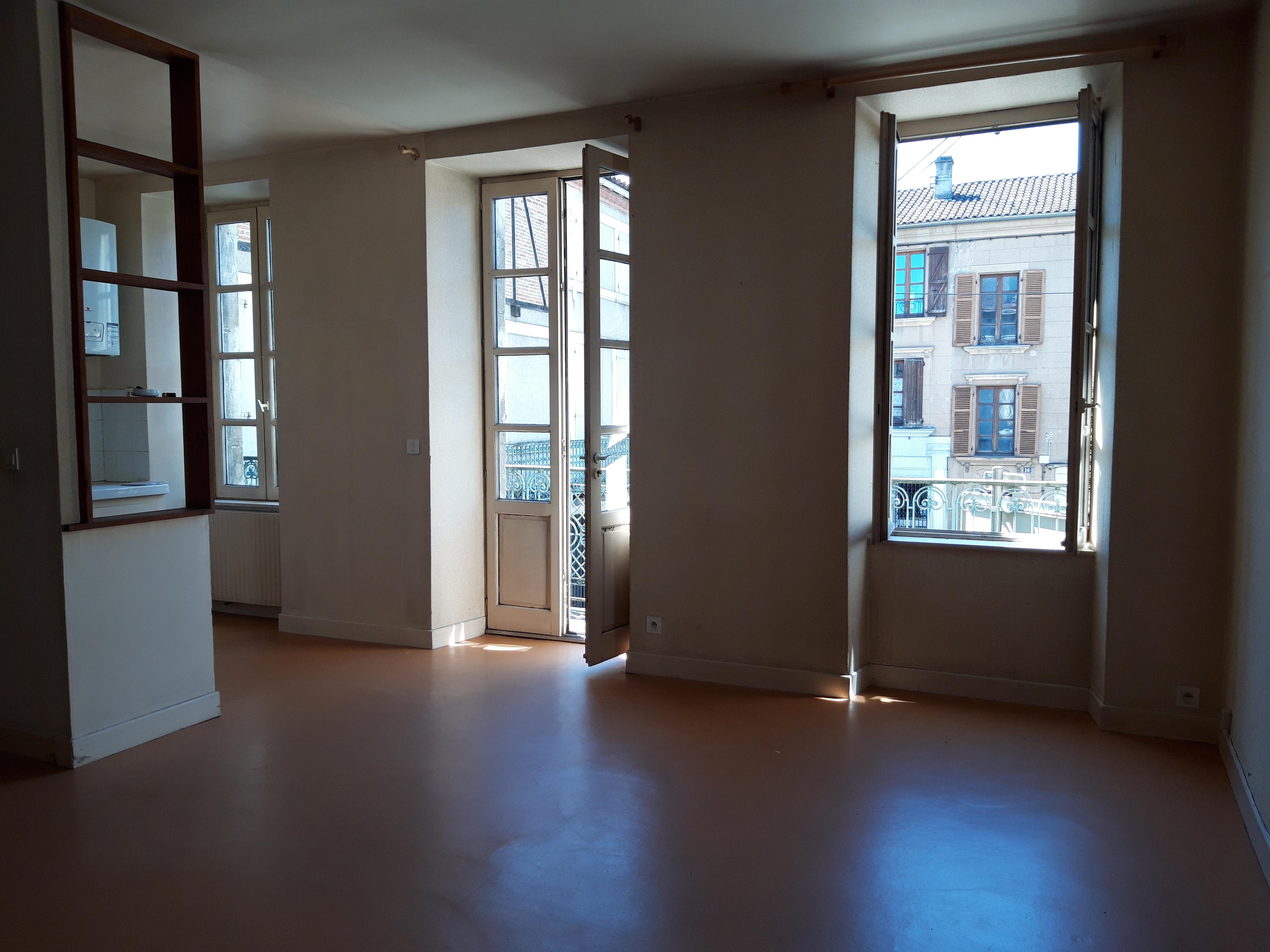 Appartement T2 avec balcon à vendre à FIGEAC