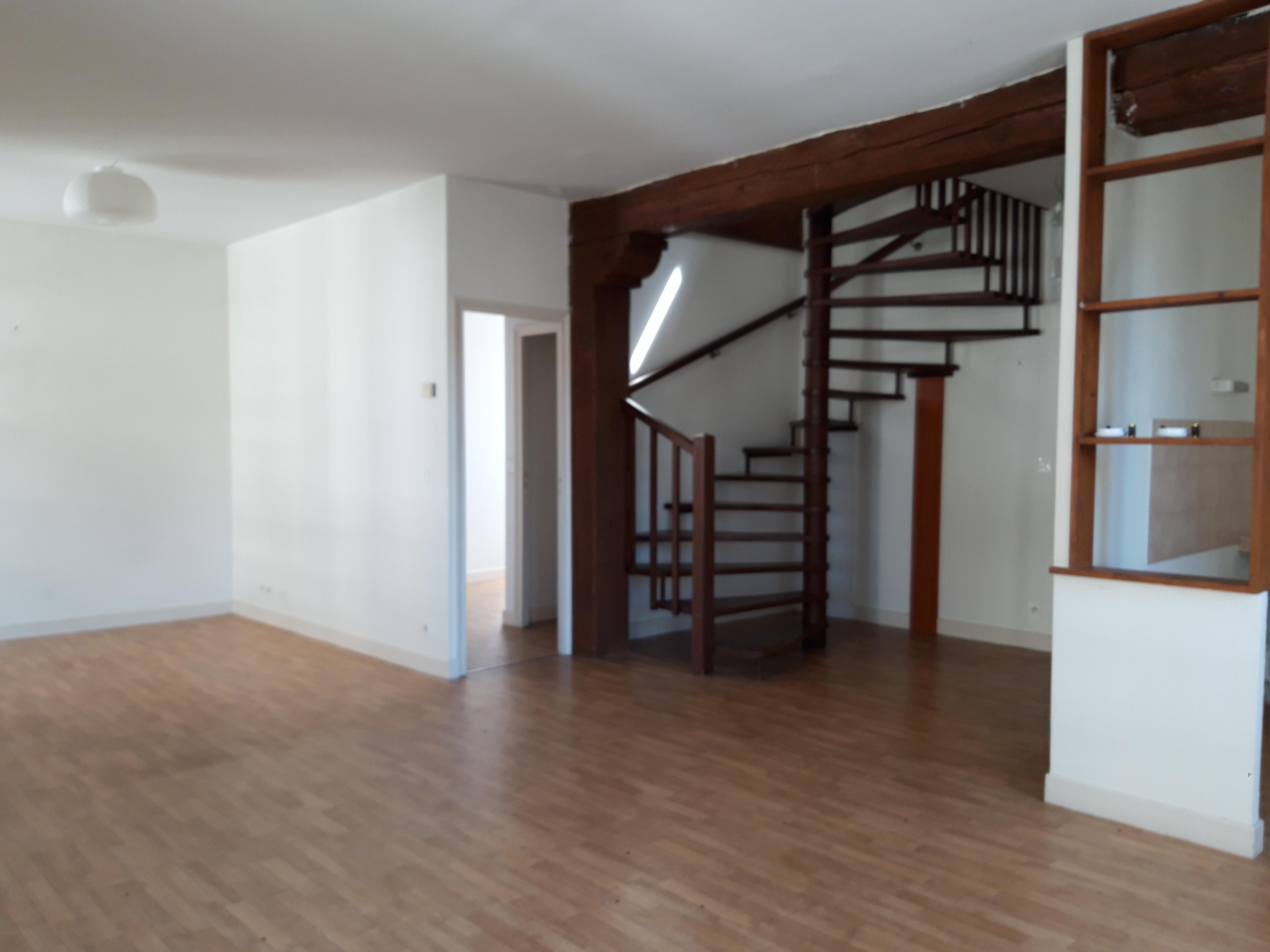 Appartement T4 duplex à vendre à FIGEAC