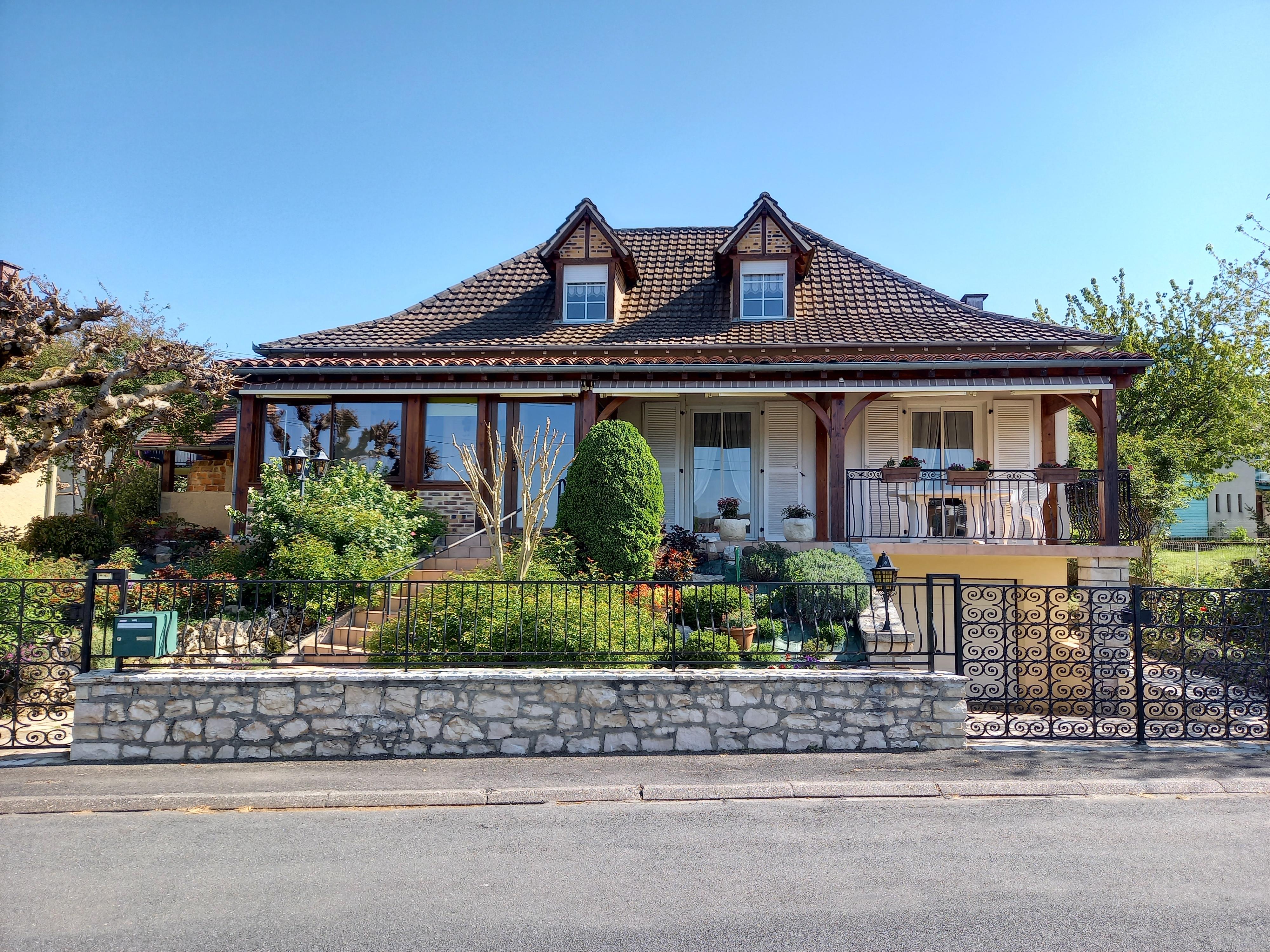 Belle maison T5 à vendre à FIGEAC